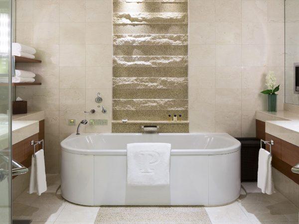 The Peninsula Tokyo Guestroom Bathroom