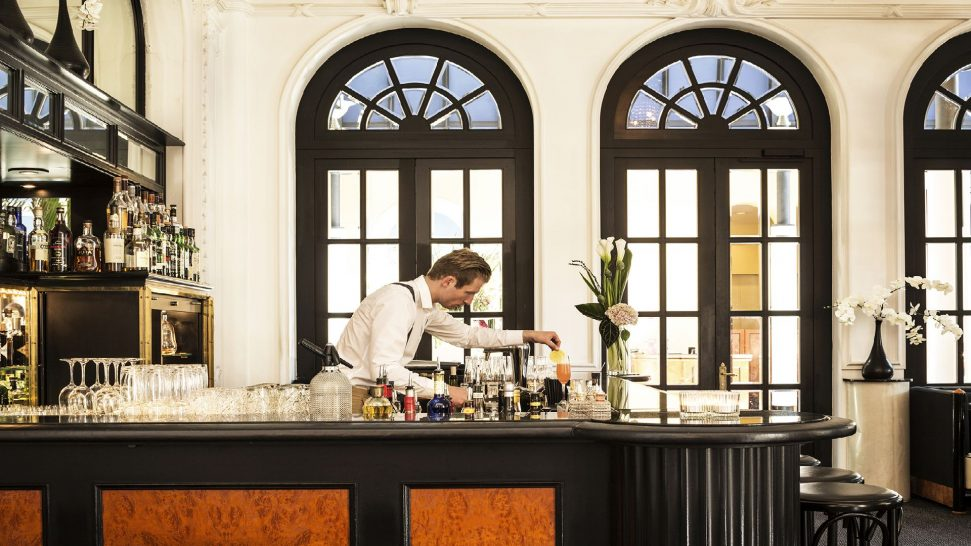 Victoria Jungfrau Interlaken bar