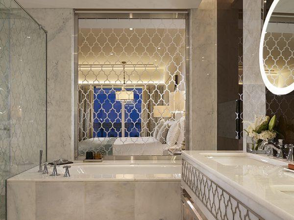 Waldorf Astoria Dubai Palm Jumeirah guest room bath