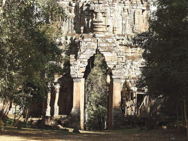Belmond La Rsidence dAngkor Bike the Angkor Temples Full Day Tour