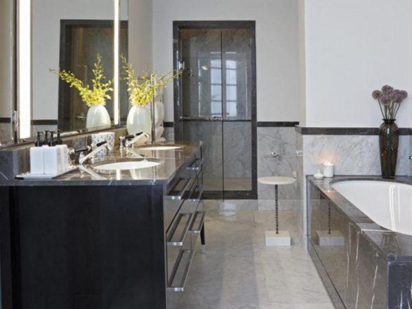 Belmond Mount Nelson Junior Suite Bathroom
