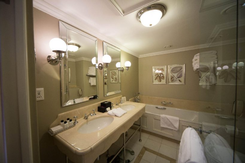 Belmond Mount Nelson Superior Room Bathroom