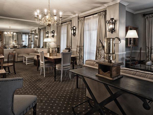 Cape Grace lounge