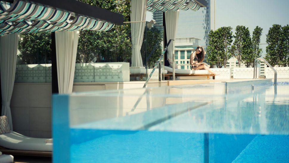 Four Seasons Hotel Dubai International Financial Centre Glasswater Pool Dining