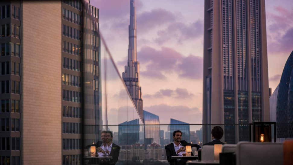 Four Seasons Hotel Dubai International Financial Centre Luna Sky Bar