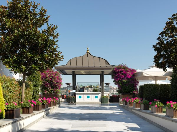 Four Seasons Hotel Istanbul At The Bosphorus Garden View
