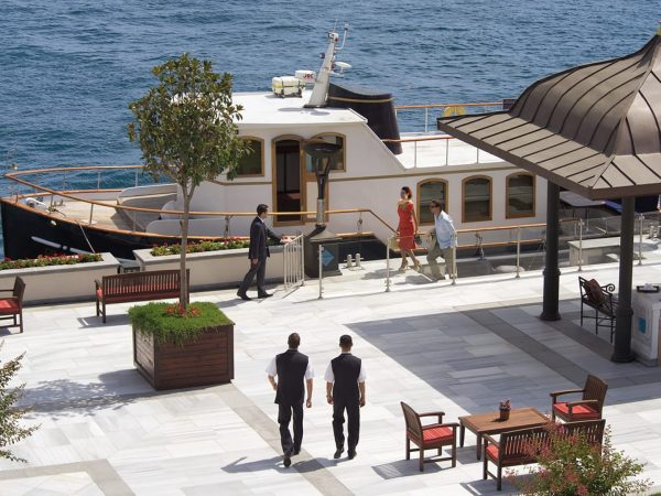 Four Seasons Hotel Istanbul At The Bosphorus Lobby View