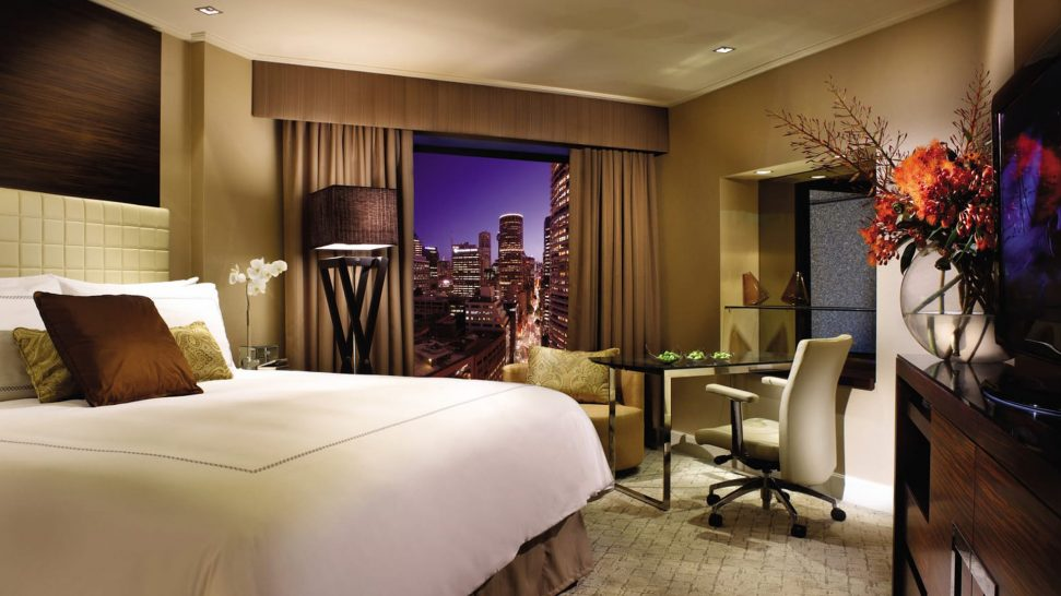 Four Seasons Hotel Sydney Deluxe City Room