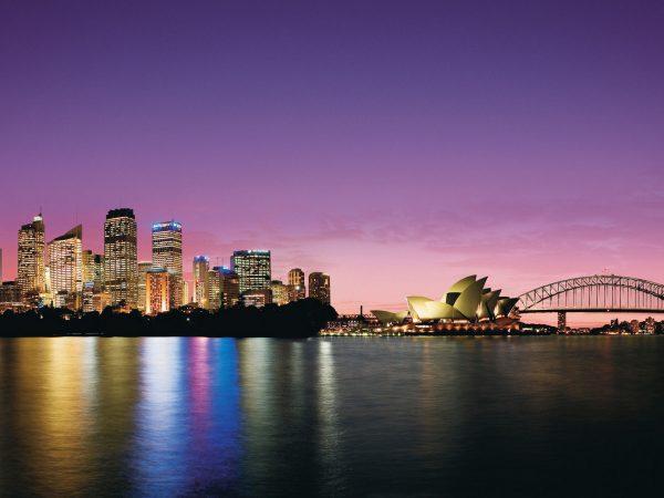 Four Seasons Hotel Sydney Night View