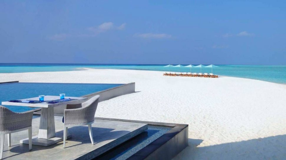 Four Seasons Resort Maldives at Landaa Giraavaru Baa Atoll Blue Pool