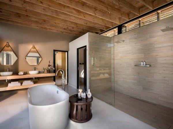 Lion Sands River Lodge River Suite Bathroom