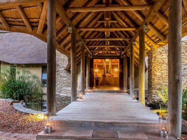 Makanyi Private Game Lodge Lobby