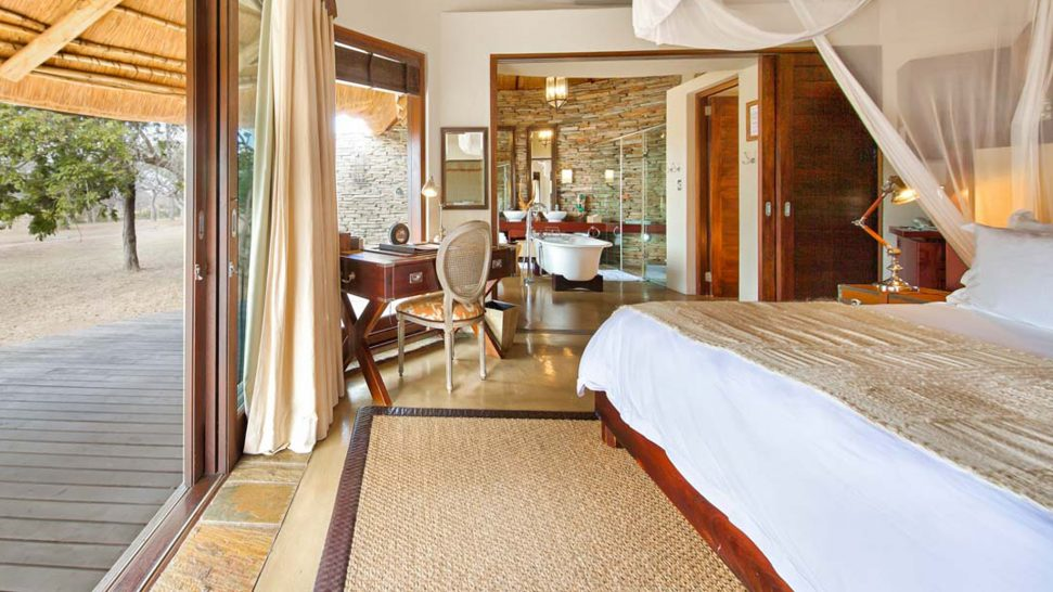 Makanyi Private Game Lodge Luxury Suite
