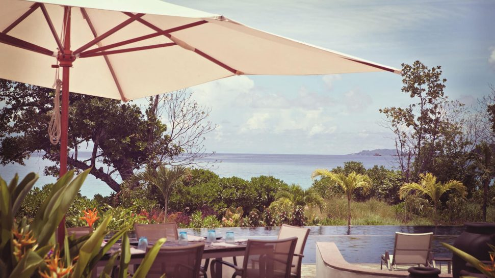 Raffles Seychelles Pool Restaurant & Bar