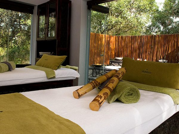 Sabi Sabi Bush Lodge Suite exterior Spa