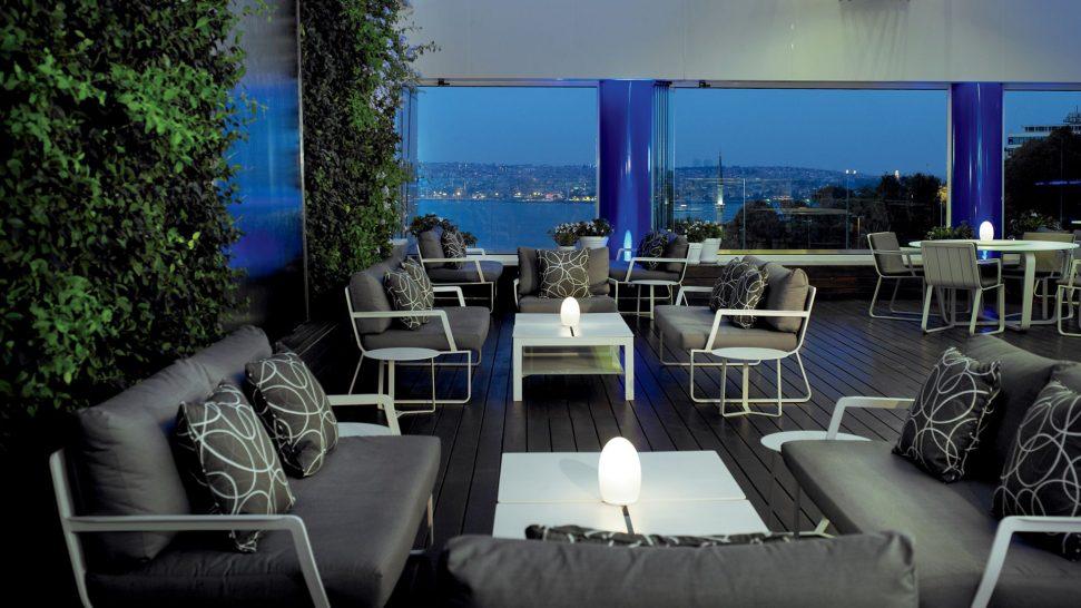 The Ritz Carlton Istanbul Bleu Lounge