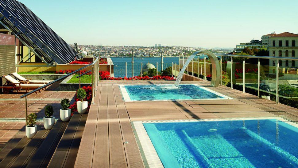 The Ritz Carlton Istanbul Pool