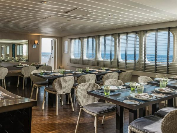 Four Seasons Maldives Explorer Cruise dining
