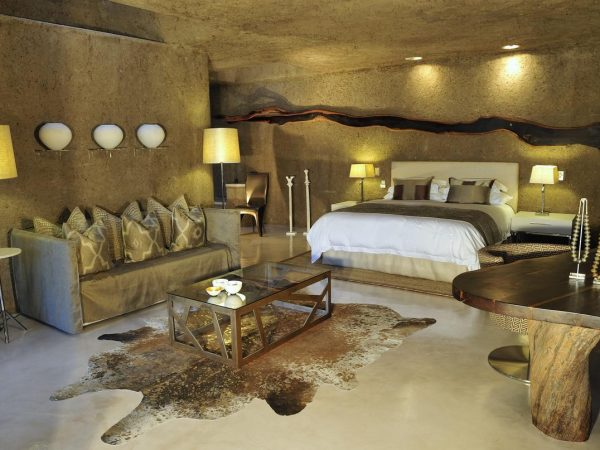 sabi sabi Earth lodge Standard suite