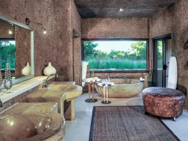 sabi sabi Earth lodge bathroom 2