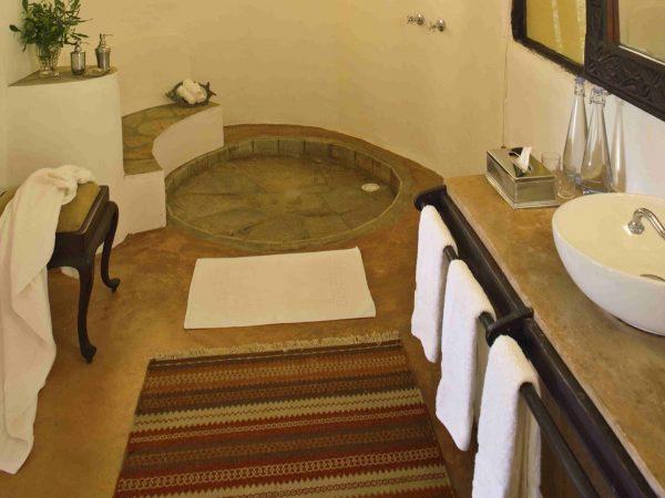 Cottar's 1920s Safari Camp Bathroom