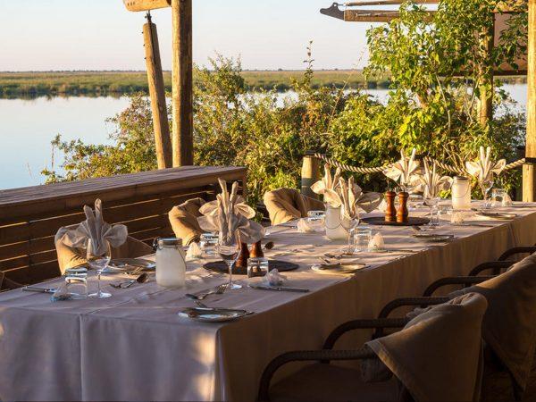 Duma Tau Dining Table