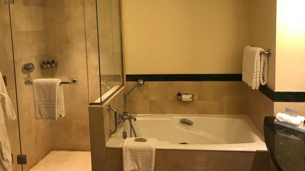 Four Seasons Hotel Amman Bathroom