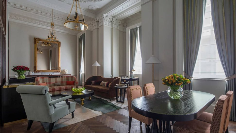 Four Seasons Hotel London at Ten Trinity Square Grand Heritage Suite