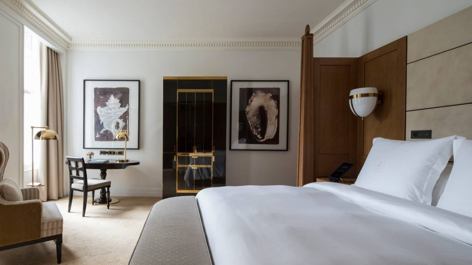 Four Seasons Hotel London at Ten Trinity Square Premier Room