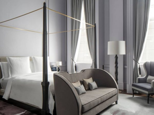 Four Seasons Hotel London at Ten Trinity Square Trinity Heritage Suite