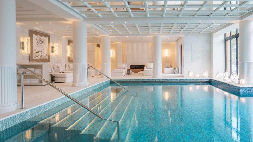 Four Seasons Hotel Megve pool