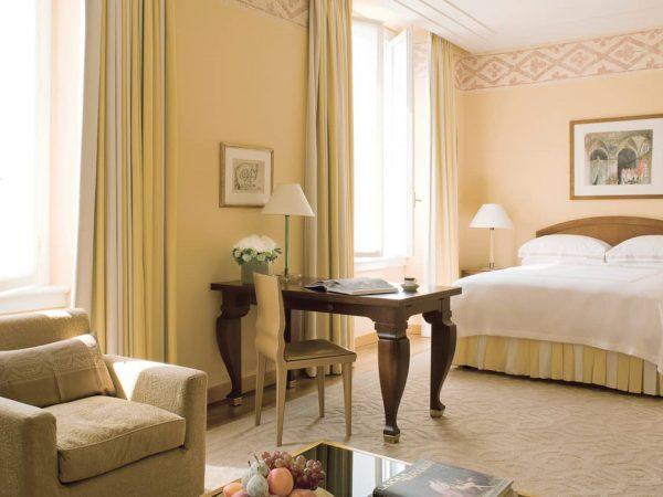 Four Seasons Hotel Milan Deluxe Room