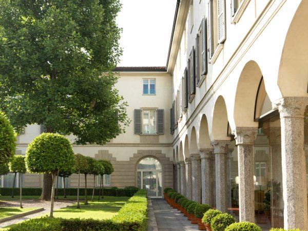 Four Seasons Hotel Milan Lobby View