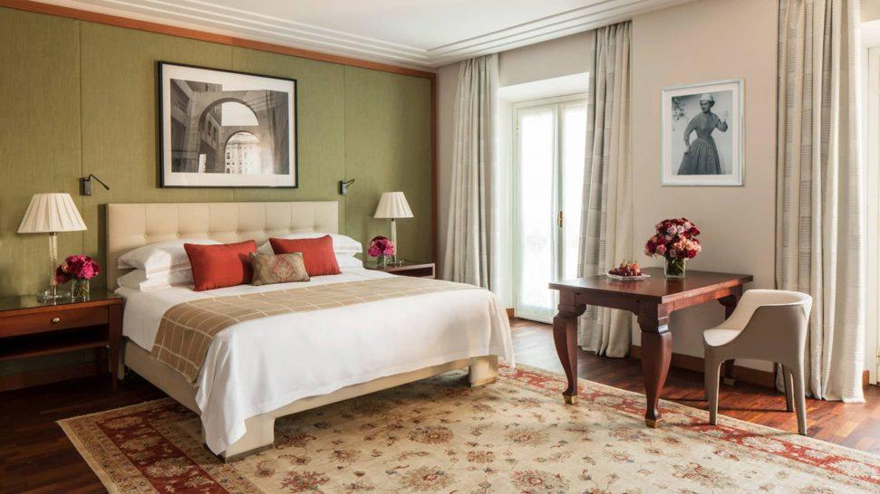 Four Seasons Hotel Milan Premium Room
