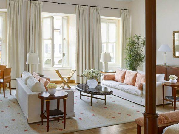Four Seasons Hotel Milan Renaissance Suite