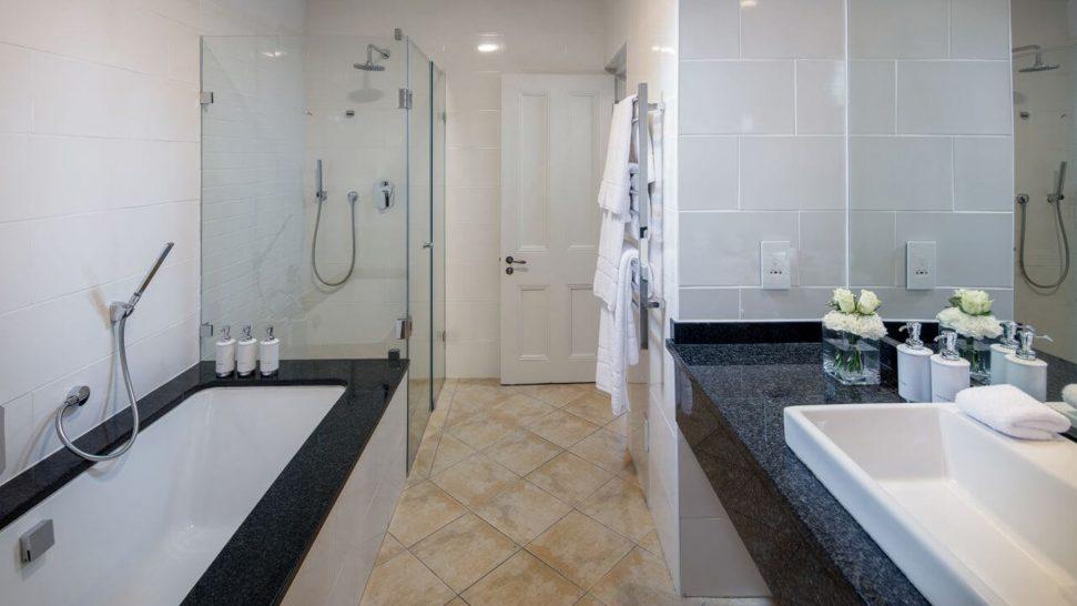 Le Quartier Francais Bathroom