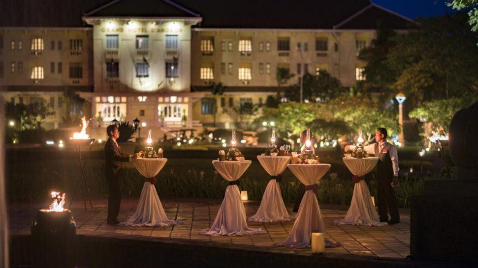 Raffles Grand Hotel d'Angkor Siem Reap The Apsara Terrace