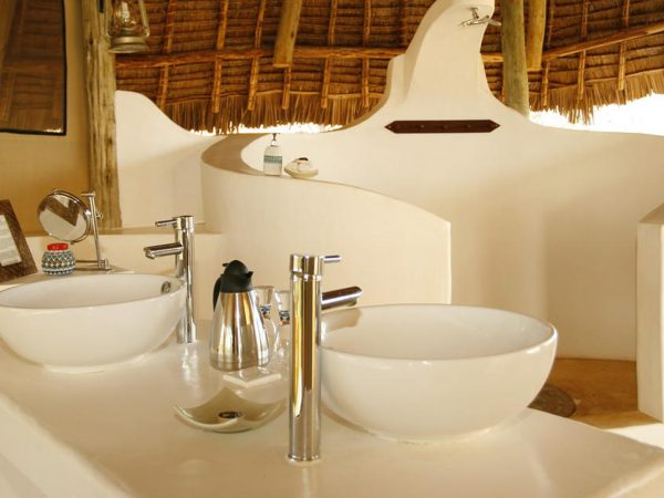 Sasaab Samburu Bathroom