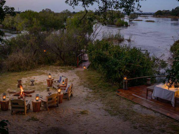 Sindabezi Island Dining
