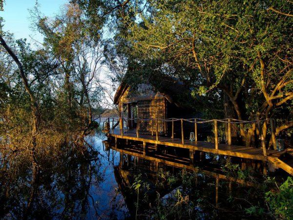 Sindabezi Island Exteriors lodge