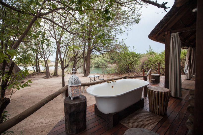 Sindabezi Island Honeymoon Chalet Bathroom