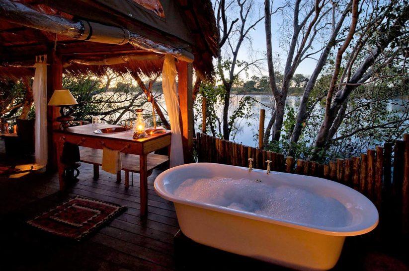 Sindabezi Island Lodge Chalet Bathroom
