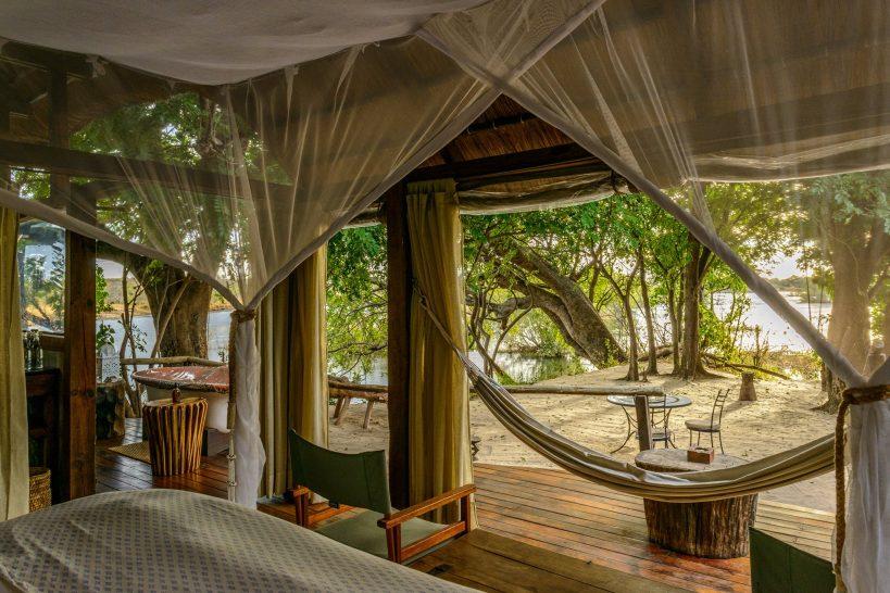 Sindabezi Island Lodge Honeymoon Chalet