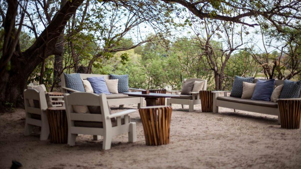 Sindabezi Island Lodge Outdoor Dining