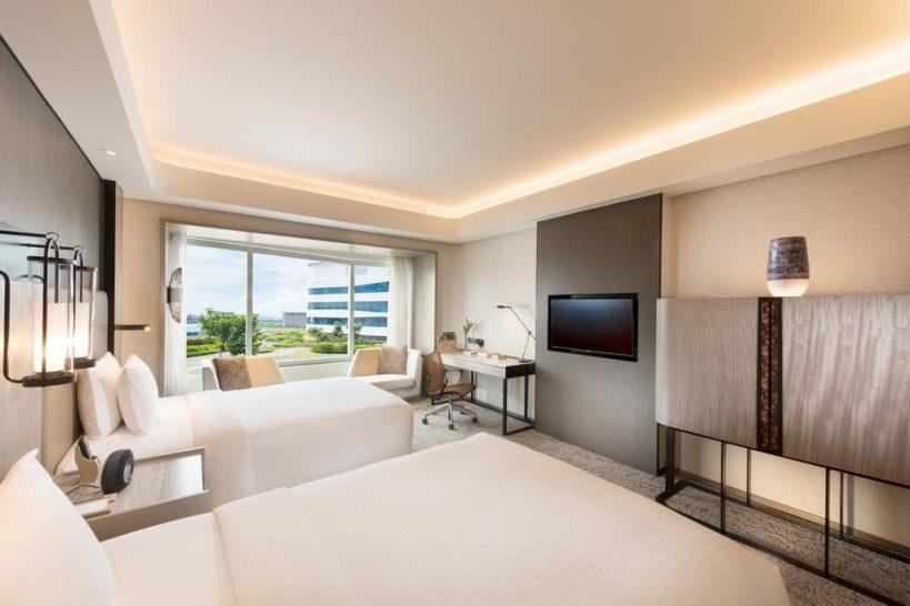 Conrad Bay View King Executive Room Lounge Access