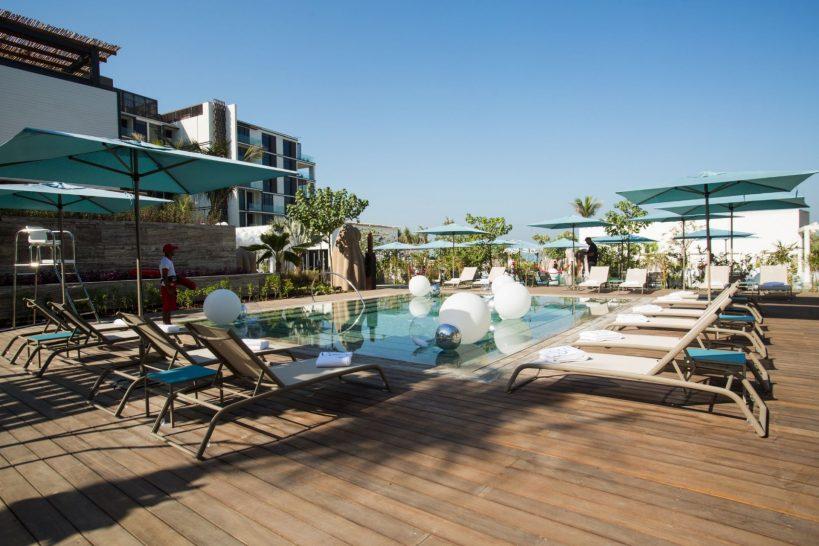 Caesars Palace Bluewaters Dubai Cove Beach
