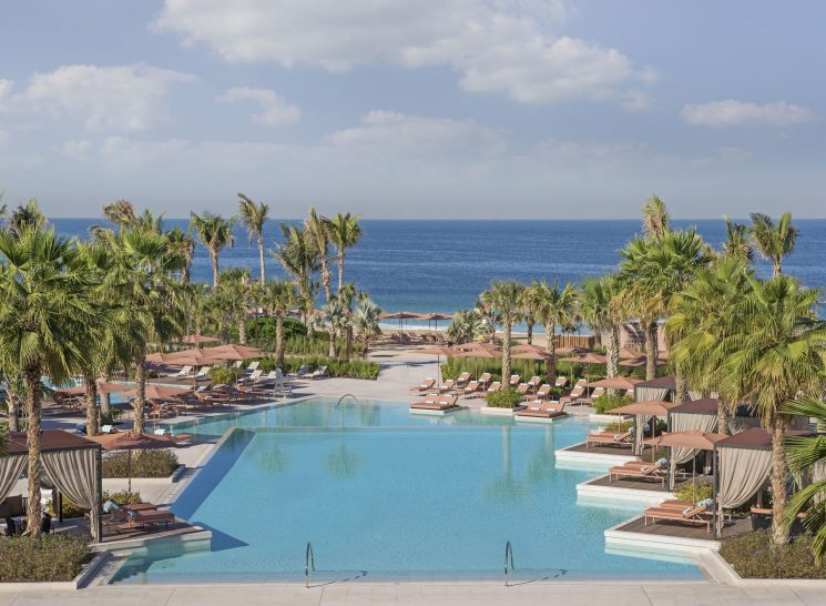 Caesars Palace Bluewaters Dubai Neptune Pool