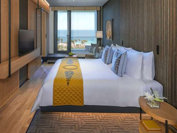Caesars Palace Bluewaters Dubai Palace Deluxe King Room With Ocean View
