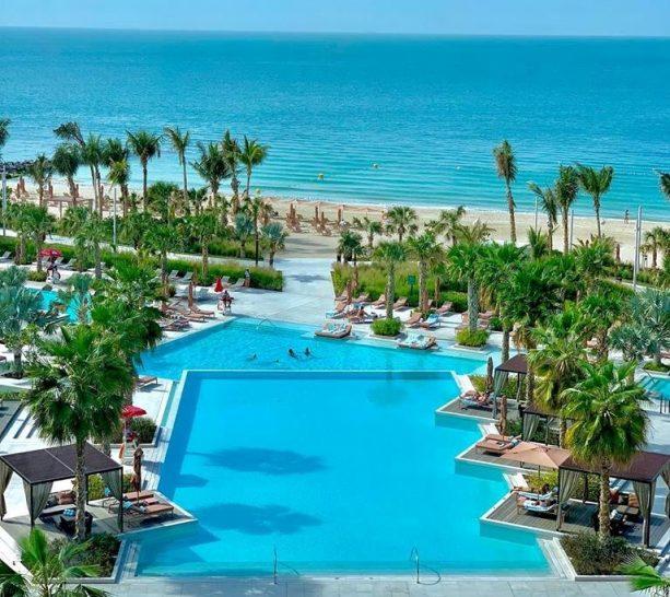 Caesars Palace Bluewaters Dubai Pool