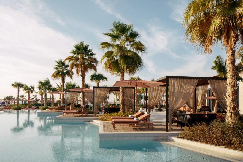 Caesars Resort Bluewaters Dubai Neptune Pool Bar